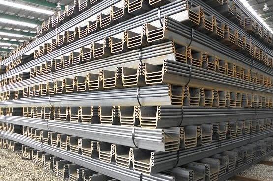 8000 Tonnen Nagelneu Warmgewalzte Spundbohlen Typ IV neue Lager, sofort Versand