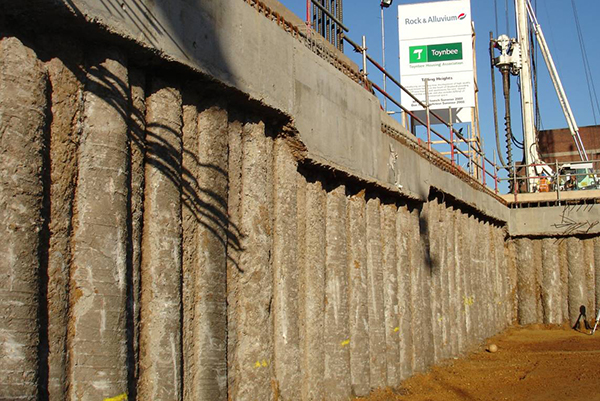 Stützmauer spundwände Bau Parkplatz