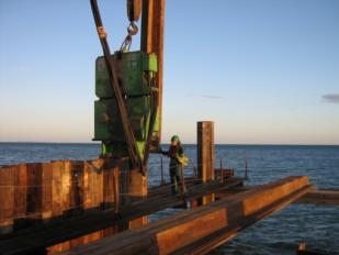 Spundbohlen im Schiffbau